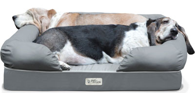 9. Pet Fusion Dog Lounge & Bed