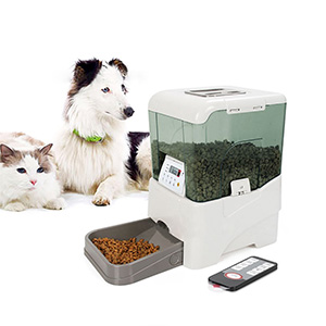 9. PETFLY Remote Control Automatic Feeder
